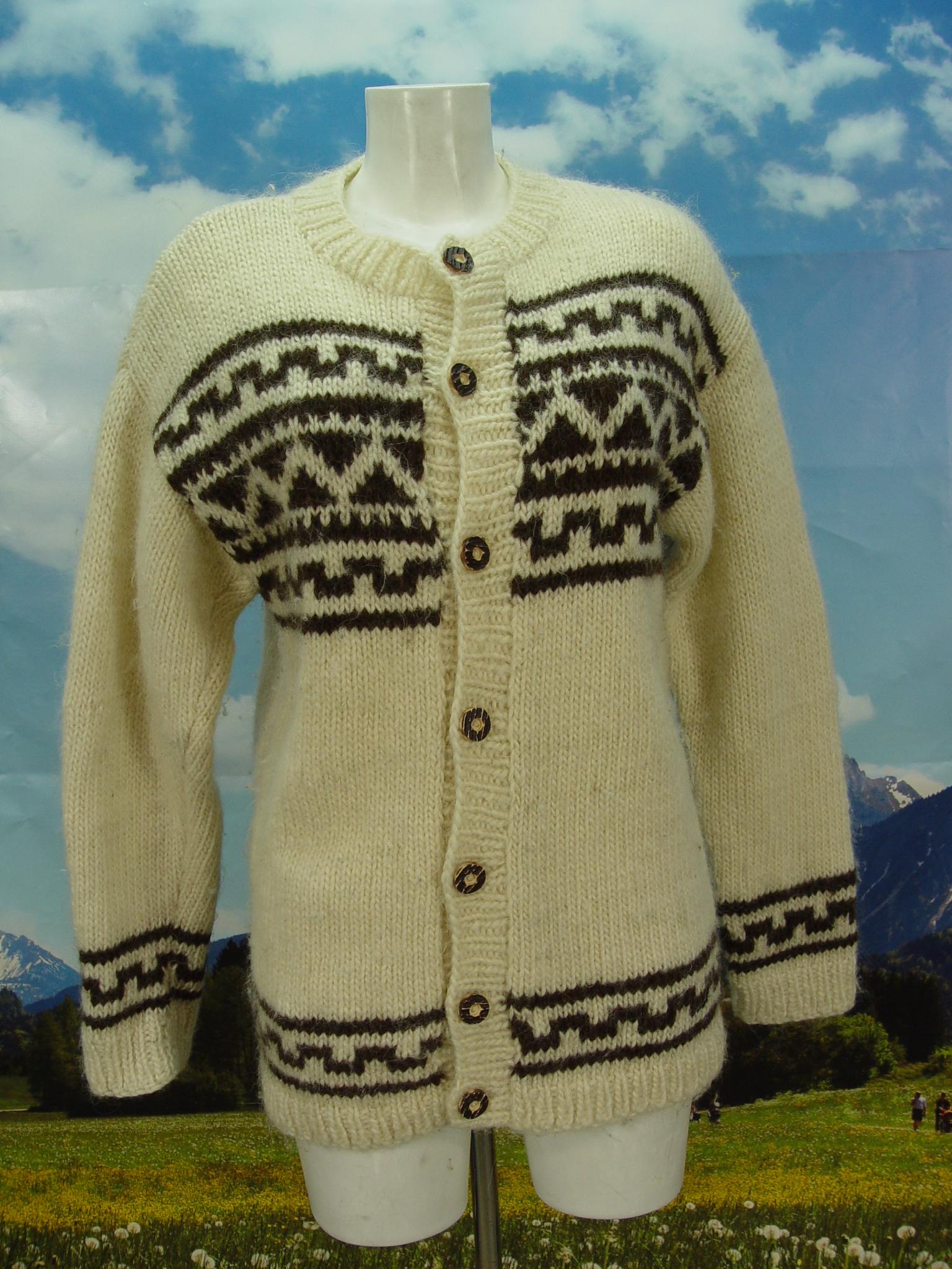 46670fa4fd50 Weiße Strickjacke aus Wolle, schöne Jacke, Janker Trachtenjacke Gr.54