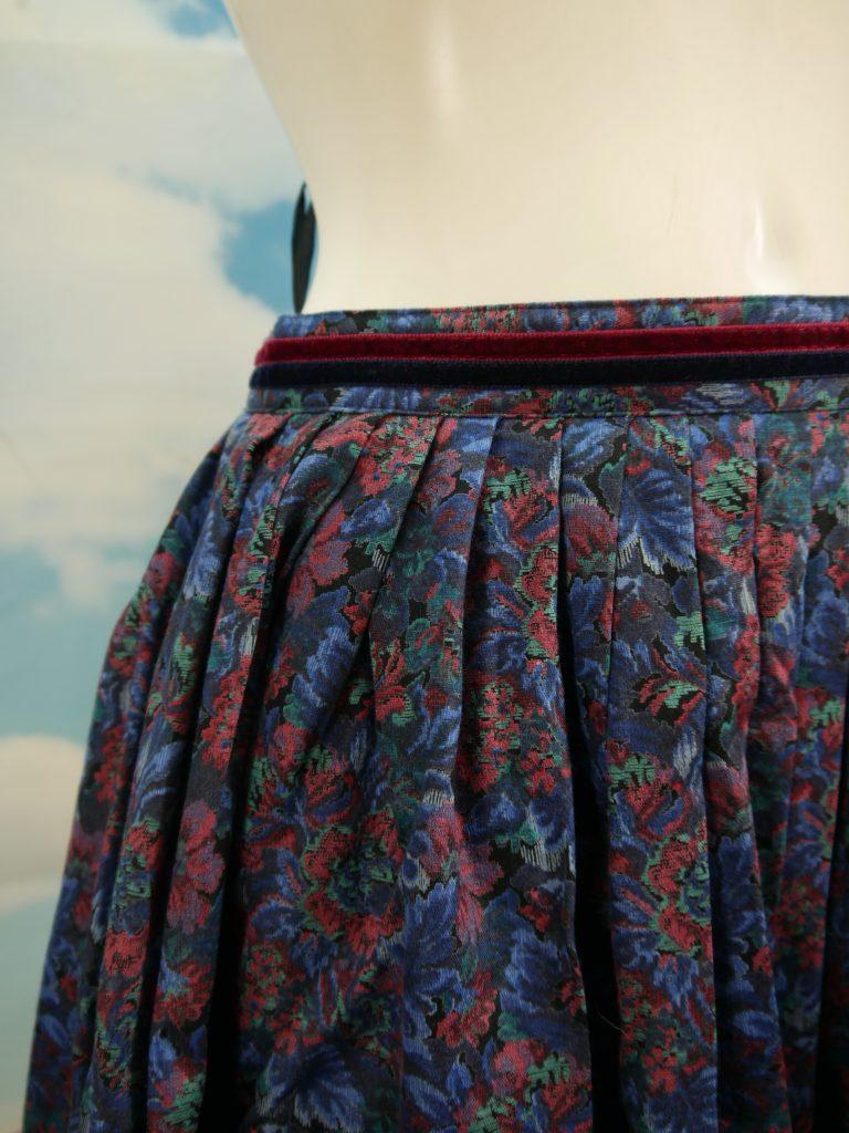 5cd36a27e3fd Trachtenrock Altenerdinger Trachten blau Baumwolle mit Blumen schöner Rock  Gr.40